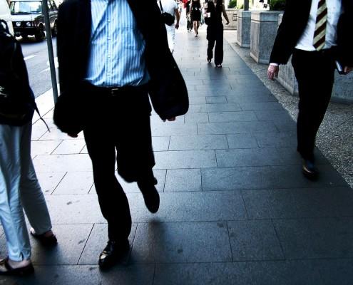 Risques psychosociaux : hommes dans la rue